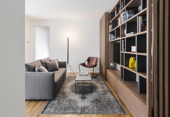 Interno di un appartamento a Milano, progetto Nomade Architettura, foto Simone Furiosi.